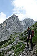 Als psychologischer Coach und Tiroler Bergwanderführerin begleite ich Sie am Berg